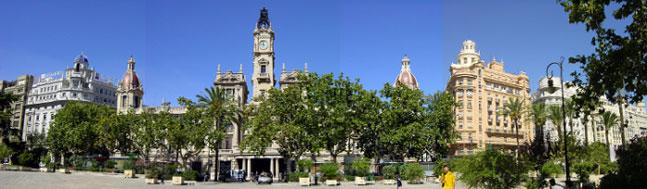Ayuntamiento de Valencia y edificios cercanos